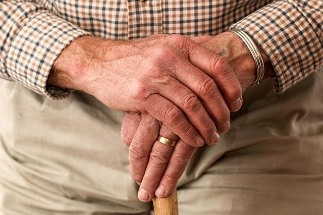 להורים שלנו מגיע להזדקן בכבוד