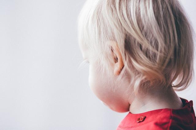 ניקוב חורים באוזן לתינוקות