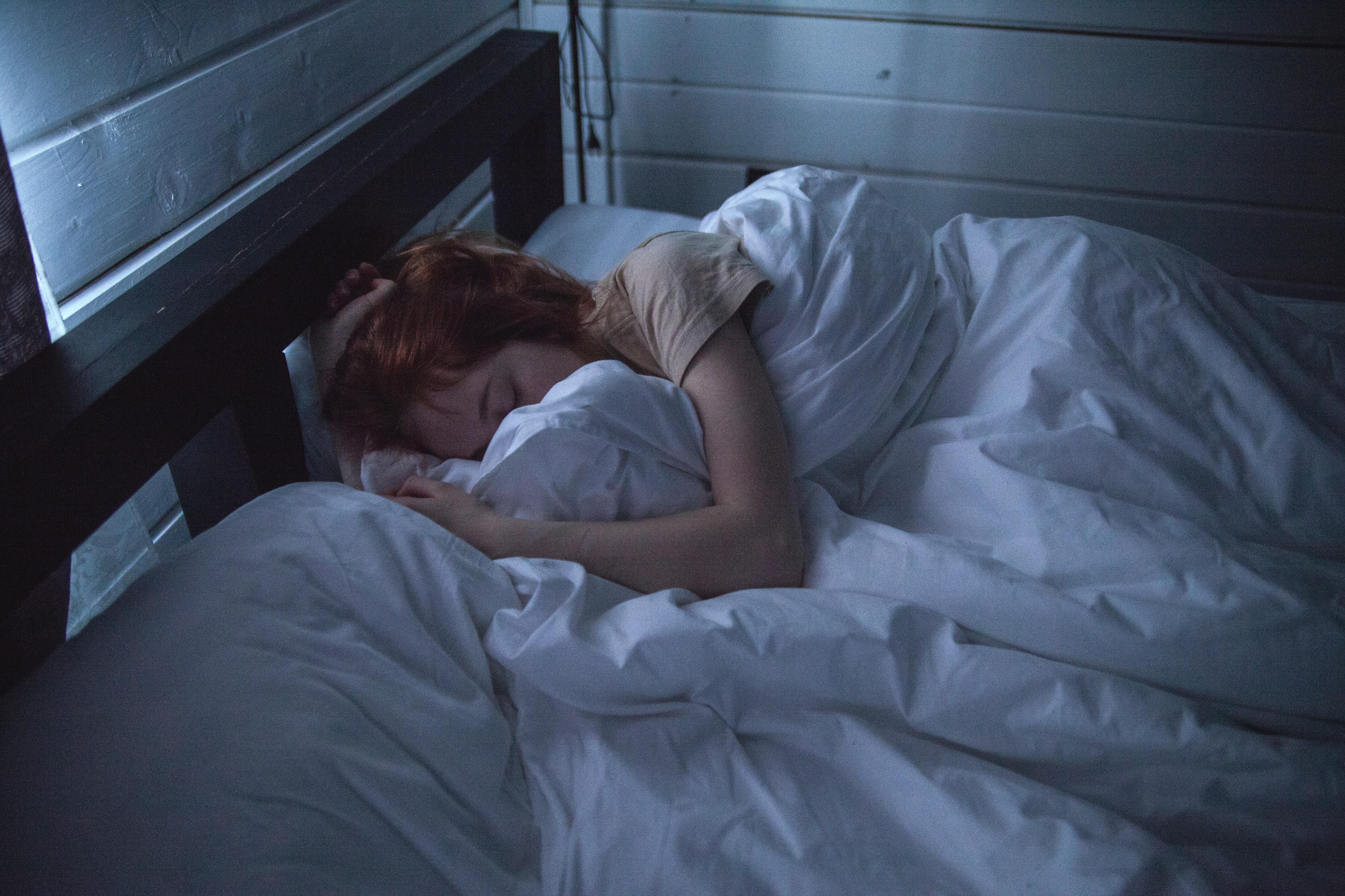 מהם הגורמים להפסקת נשימה בשינה