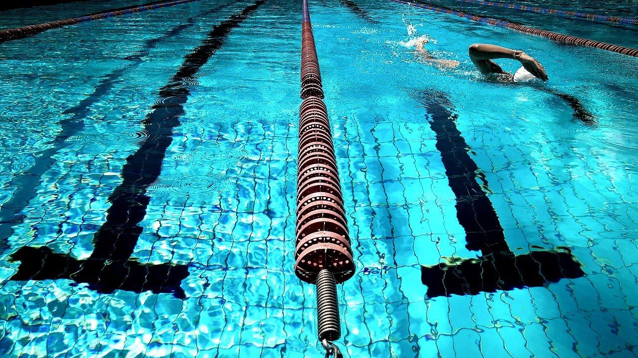 איך בית ספר לשחייה יכול לשפר את הכושר הגופני שלכם?